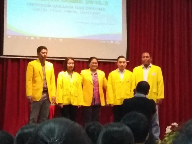 Mahasiswa dengan Pengurus UPBJJ-UT Denpasar